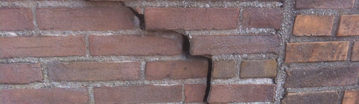 Onderhoud van een mandelige muur of fundering